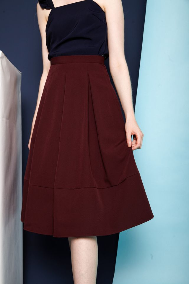 Averil Soft Pleated Midi Skirt in Burgundy (XS)