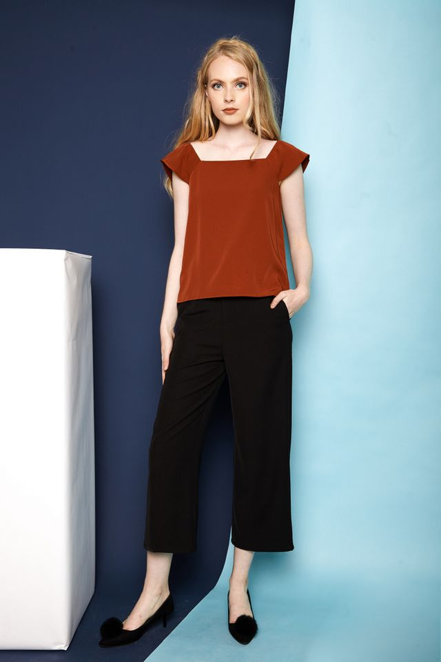 Juneau Straight Wide Leg Pants in Black