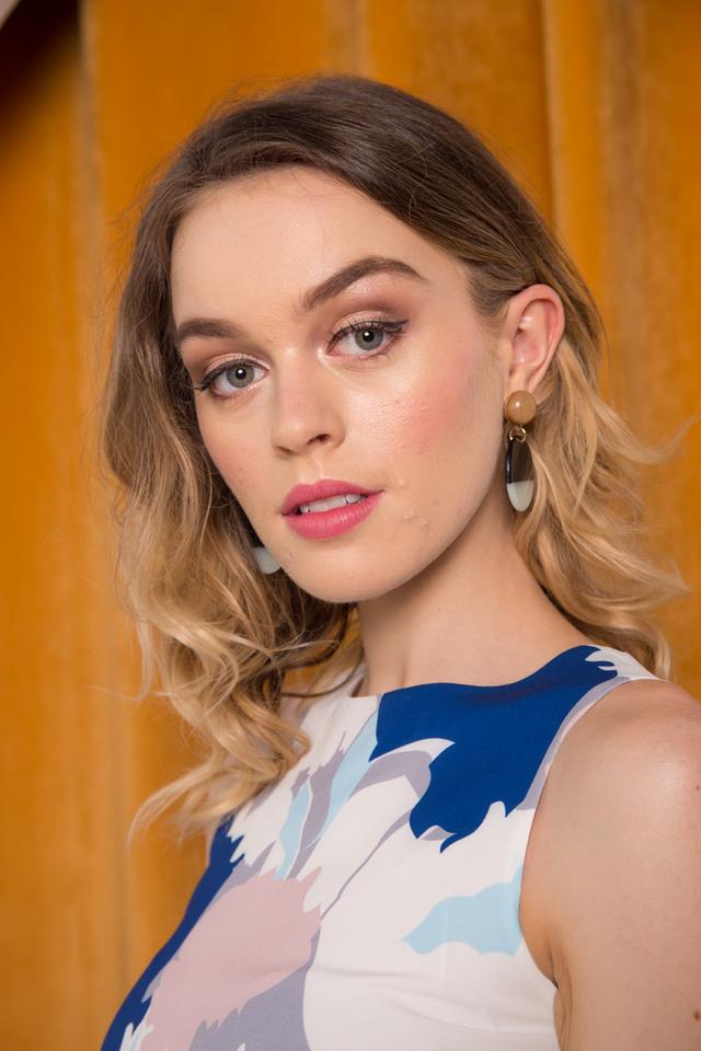 Wystan Round Earrings in Blue