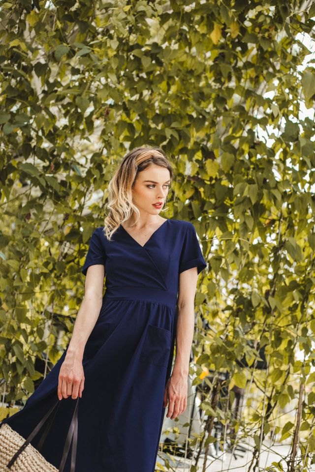 Carlyle Faux Wrap Midi Dress in Navy (XS)