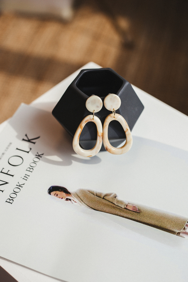 Thana Marble Earrings in Cream