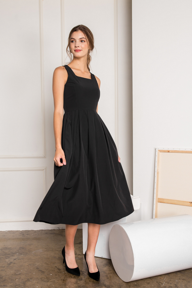 Tamora Soft Pleated Maxi Dress in Black