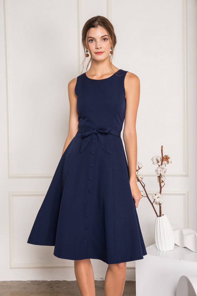 Ivey Button Down Midi Dress in Navy