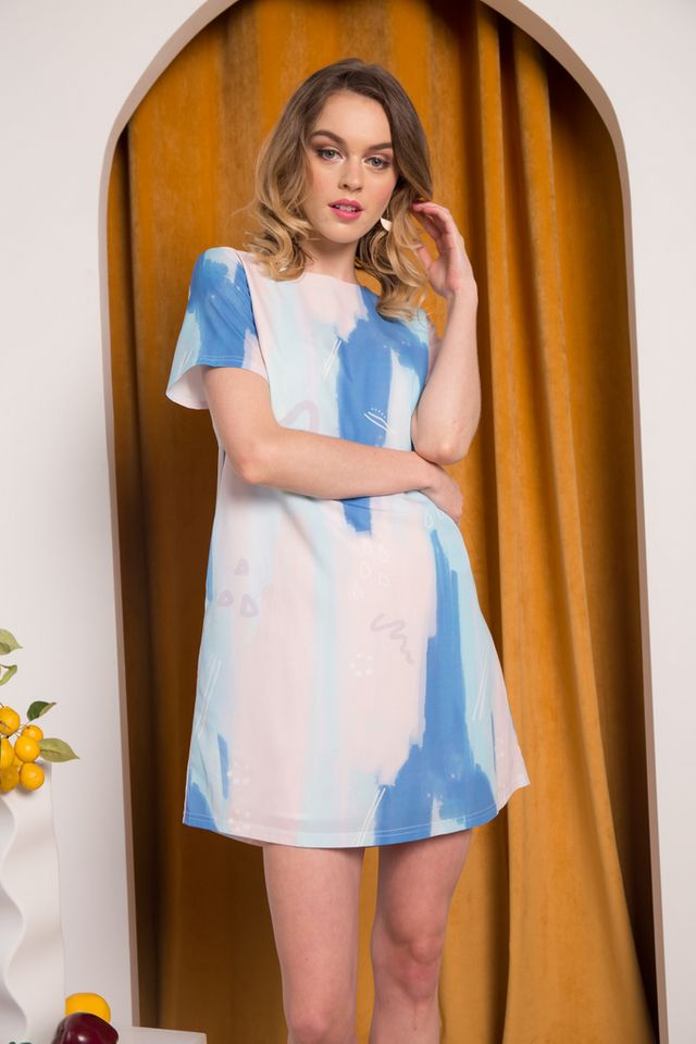 *TSW Exclusive Print* Jaeda Abstract Shift Dress in Blue