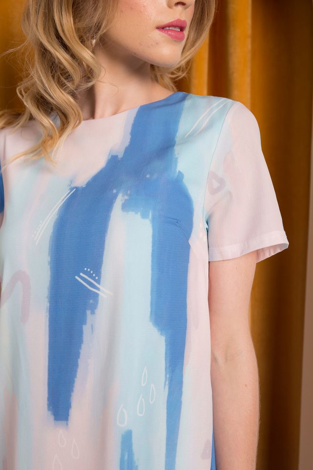 *TSW Exclusive Print* Jaeda Abstract Shift Dress in Blue (XS)