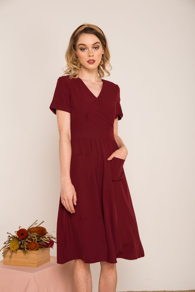 Carlyle Faux Wrap Midi Dress in Wine Red (XS)