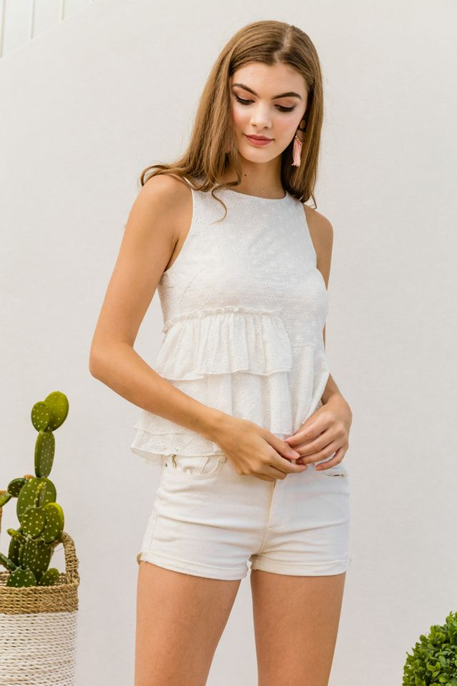 Aeliana Eyelet Ruffled Top in White (XL)