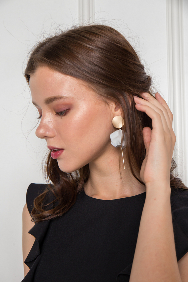 Tamia Petal Earrings in Grey
