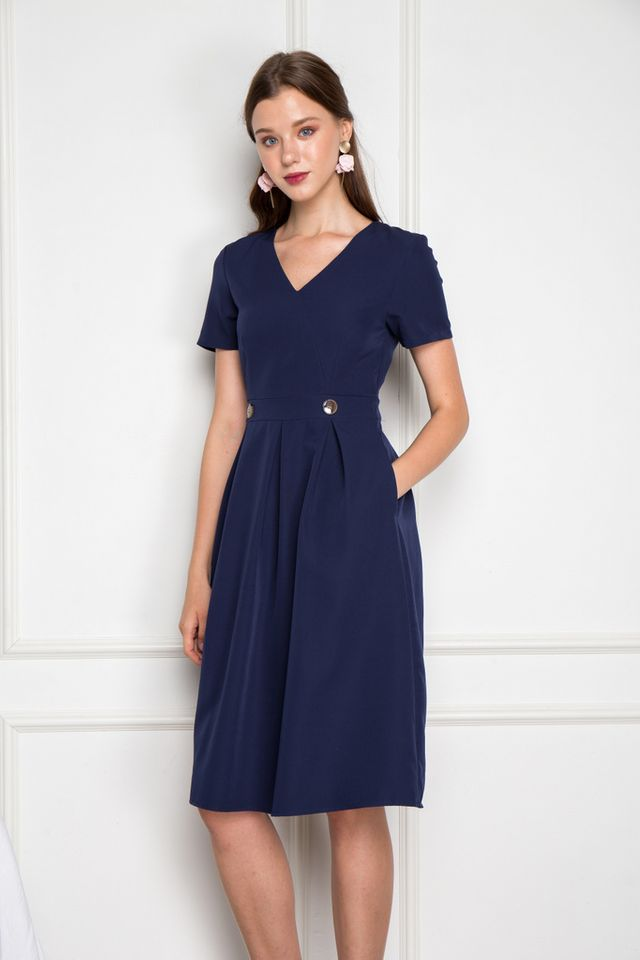 Emme Soft Pleated Midi Dress in Navy (XS)