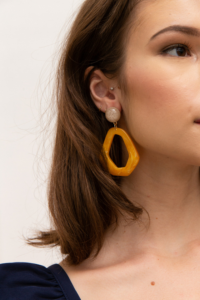Berget Marble Earrings in Caramel
