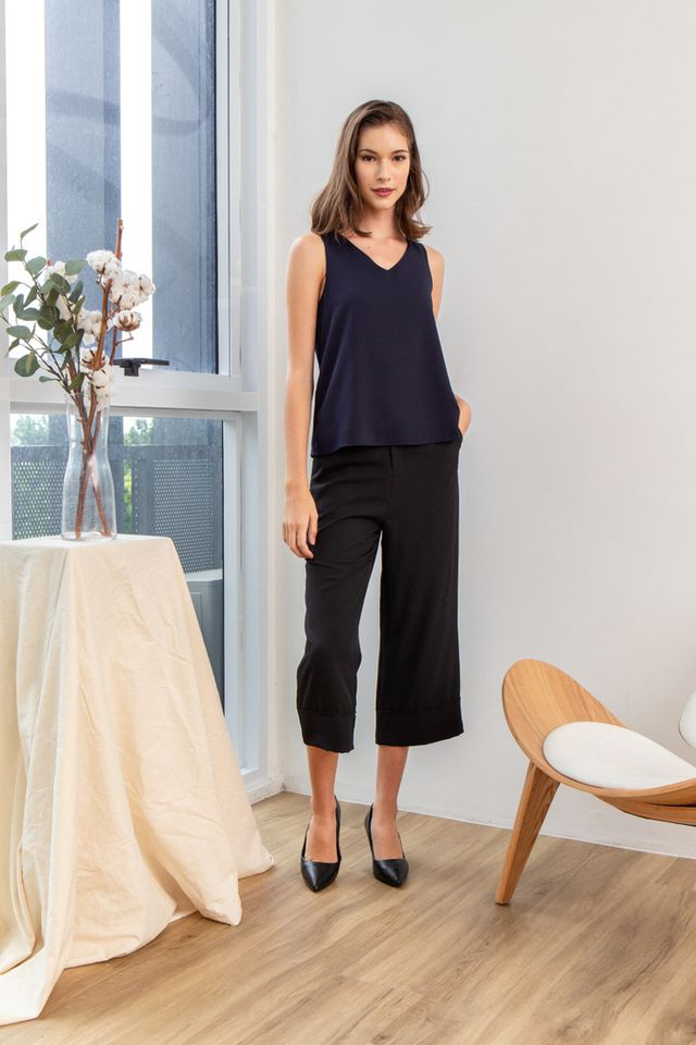 Briel Basic Flare Top in Navy