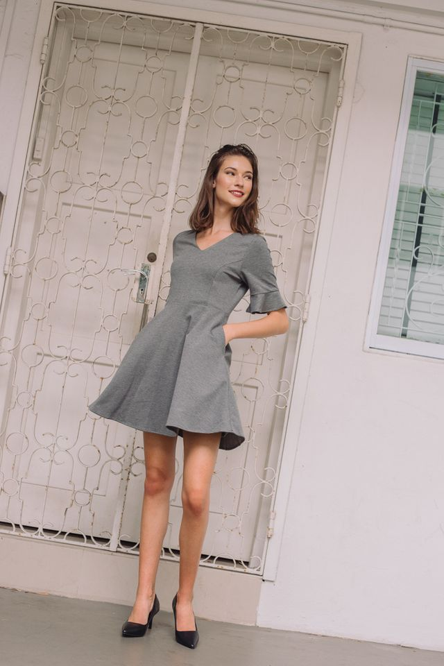 Verene Ruffled Sleeves Skater Dress in Grey (XS)