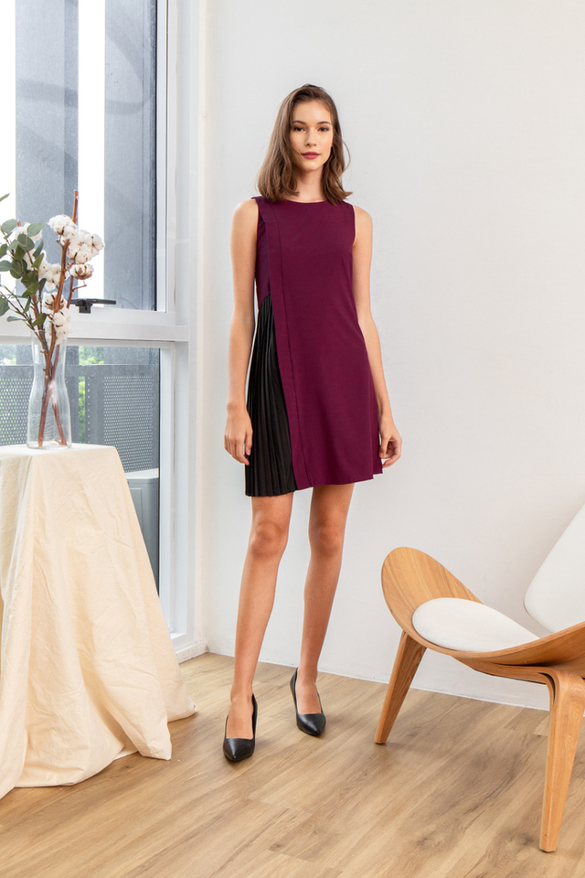 Gayel Panel Pleated Dress in Plum