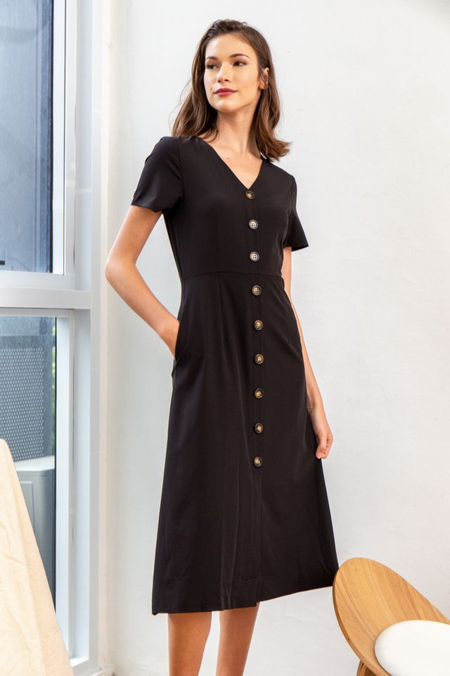 Feodora Button Down Midi Dress in Black (XS)