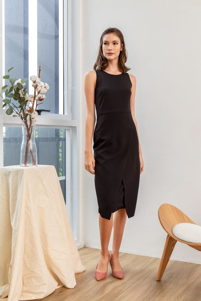 Allina Faux Wrap Midi Dress in Black (XS)