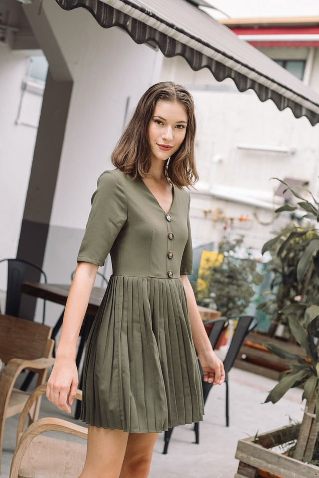 Madie Button Pleated Dress in Olive (S)