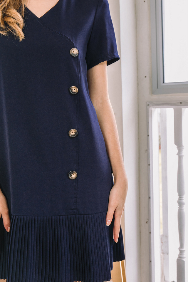 Els Pleated Hem Dress in Navy