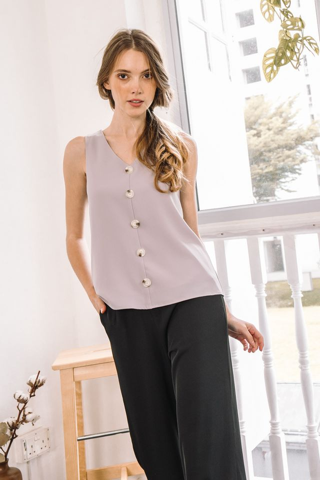 Kadyn Button Flare Top in Grey (XS)