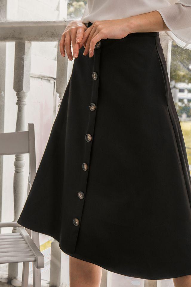 Ryth Button Midi Skirt in Black