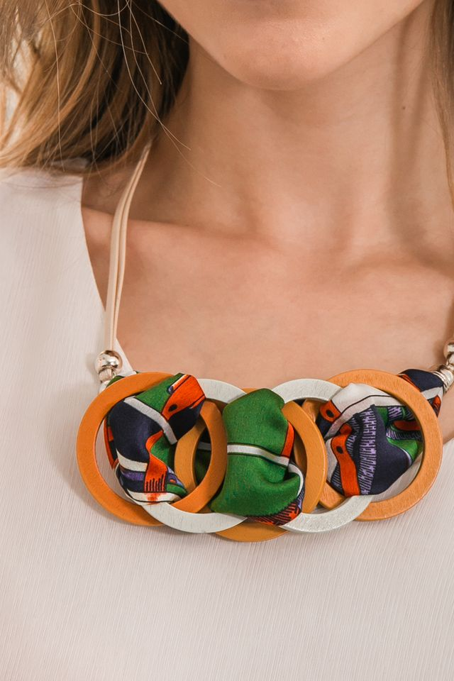 Rixley Hoop Necklace in Orange