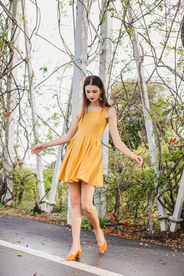 Liesel Pinafore Dress in Mustard (XL)