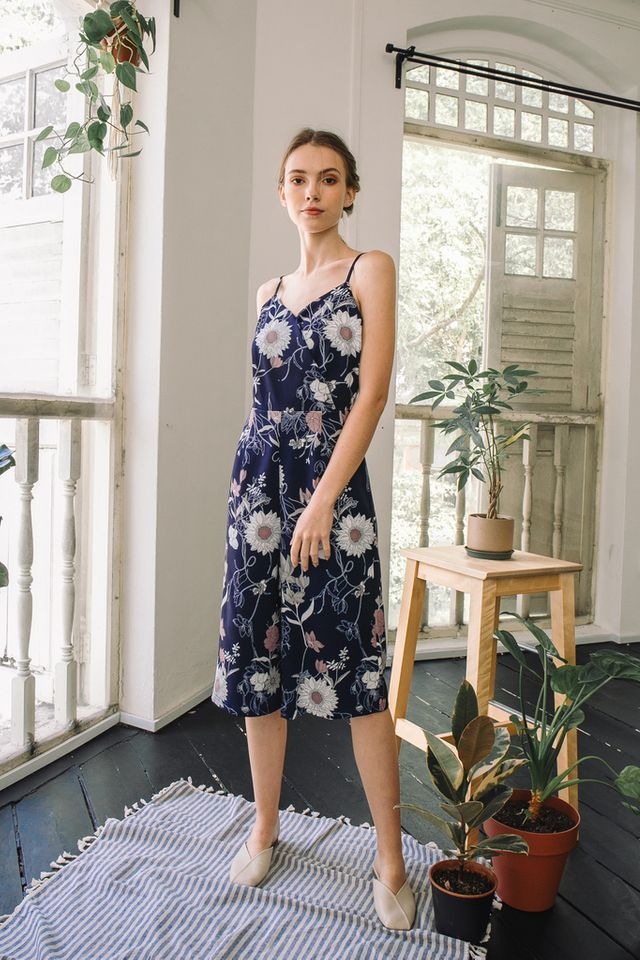 Alondra Floral Mid-Length Jumpsuit in Navy (L)