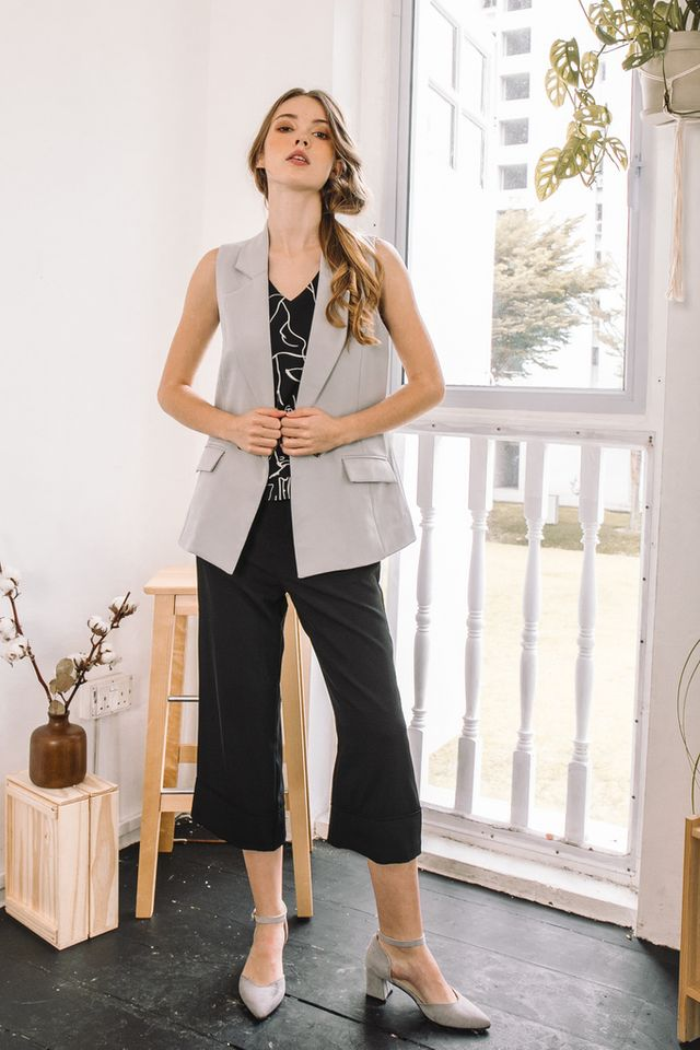 Anais Button Vest in Grey