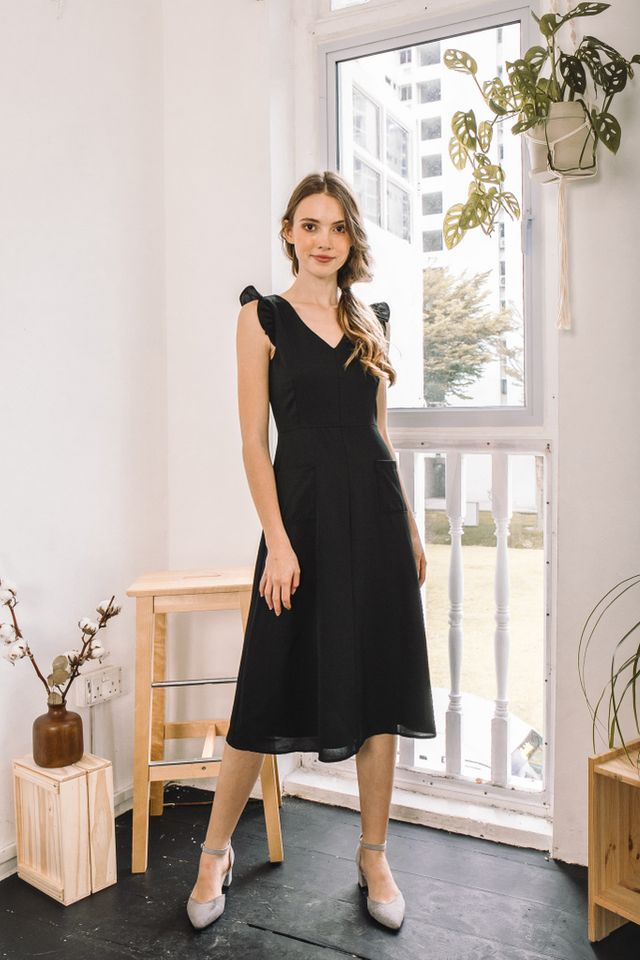 Pareila Ruffles Pocket Midi Dress in Black (XS)