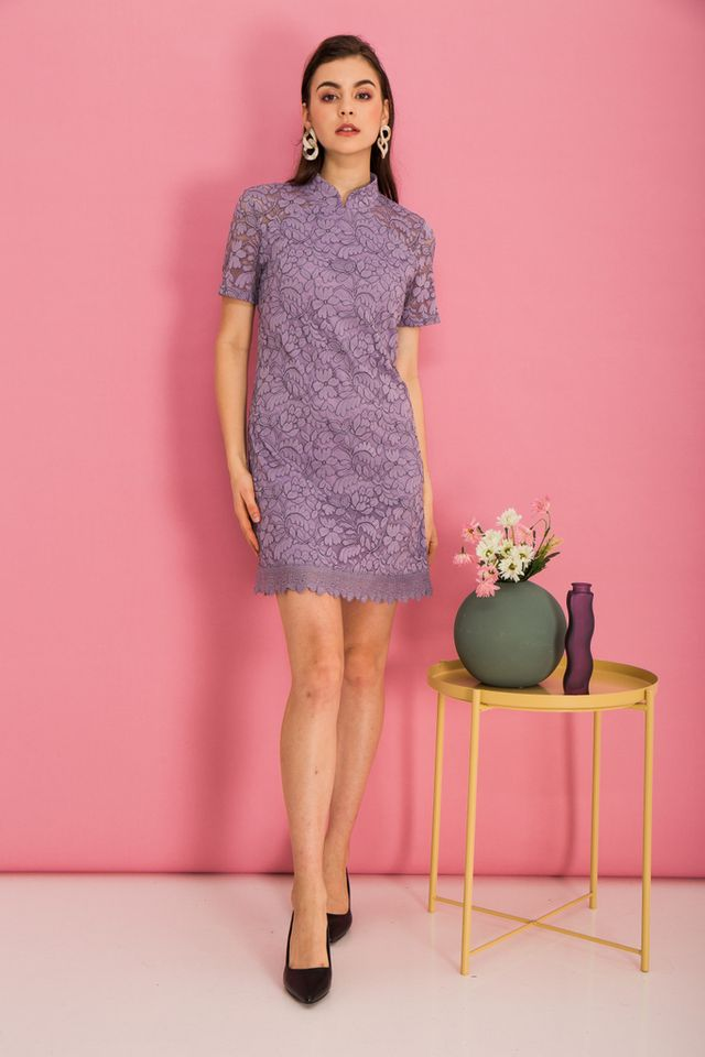 Grieta Floral Lace Shift Dress in Lavender