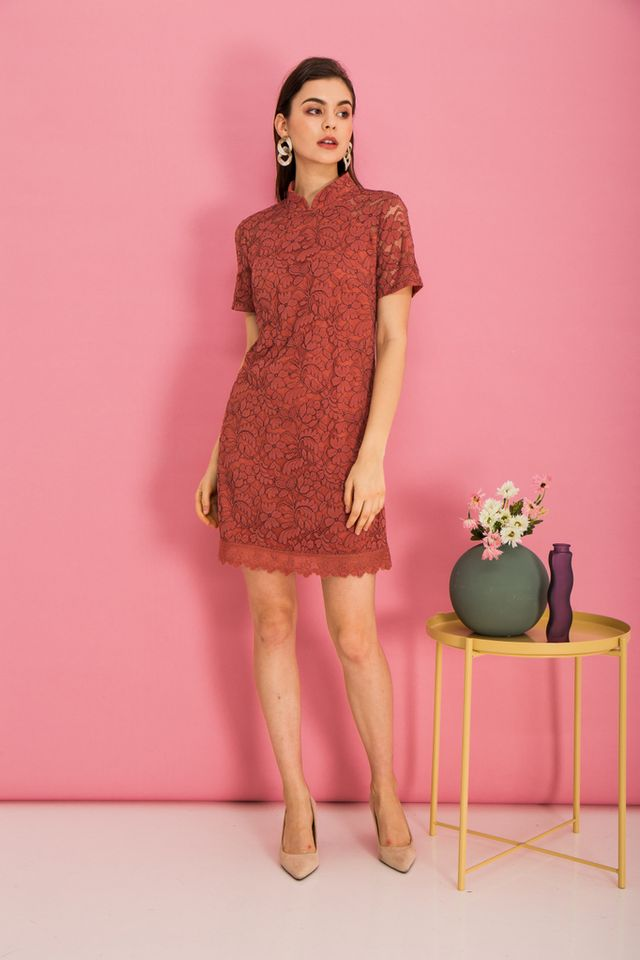Grieta Floral Lace Shift Dress in Rouge