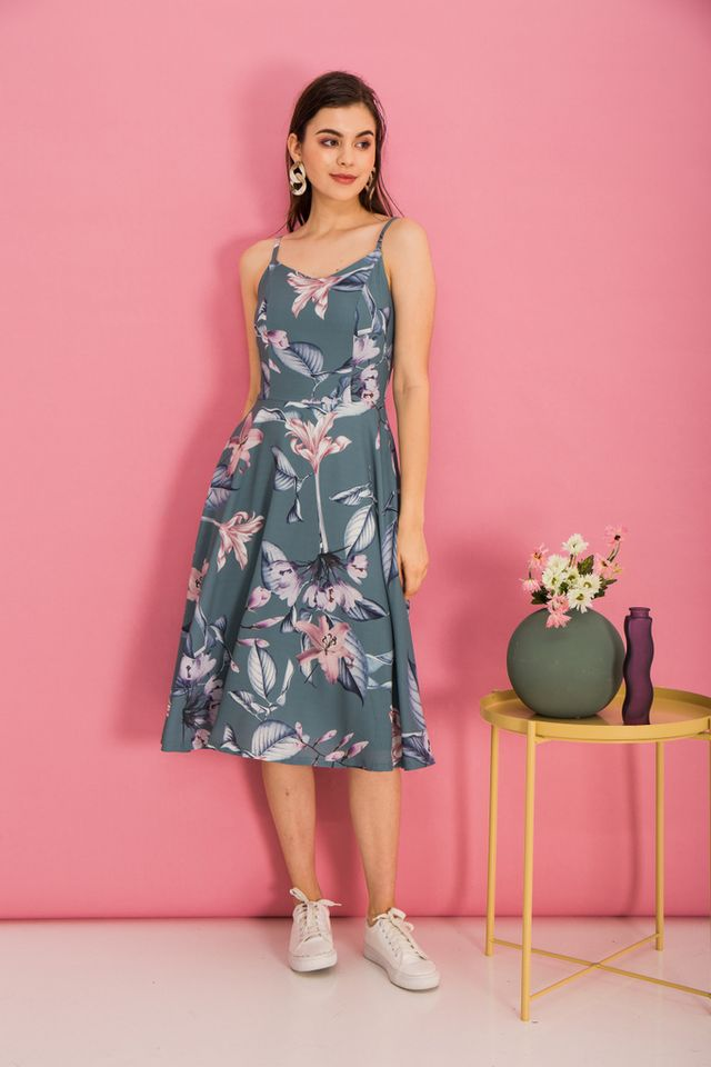 Cerulia Floral Flare Midi Dress in Teal Green (XS)