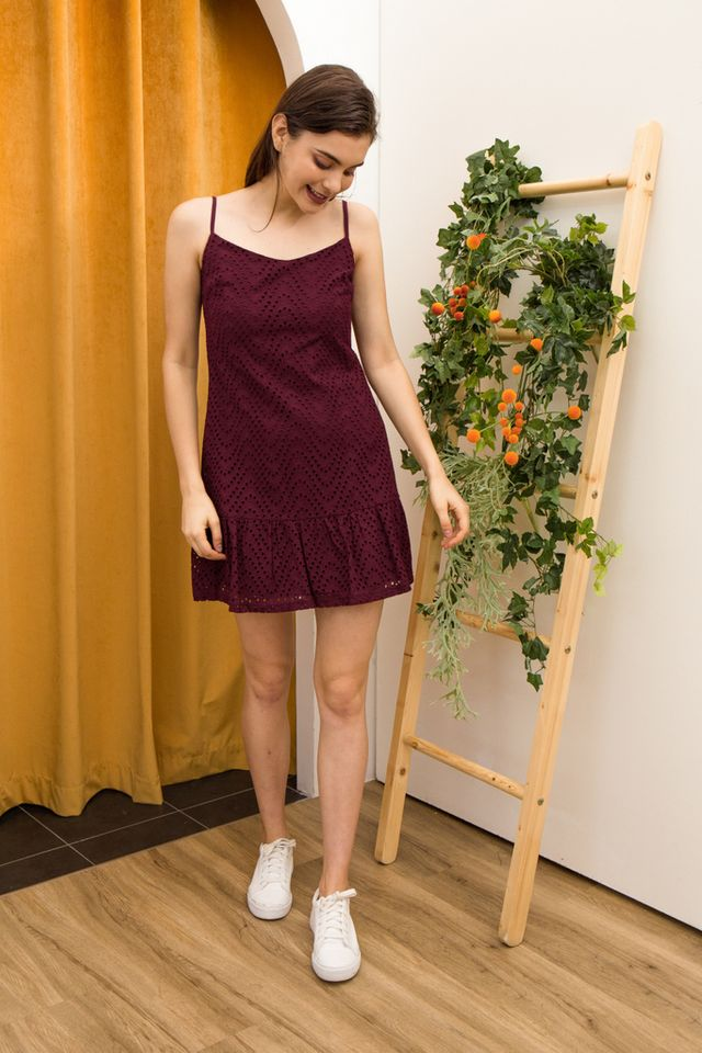 Celina Eyelet Dropwaist Dress in Wine Red (M)