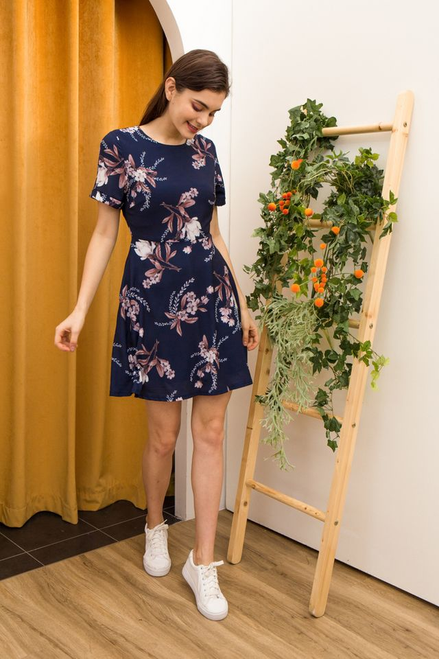 Lucinda Floral Skater Dress in Navy (XS)