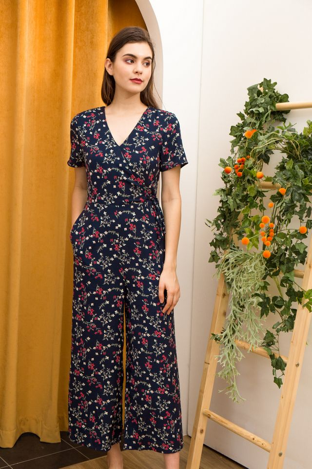 Roslyn Floral Maxi Jumpsuit in Navy (XS)