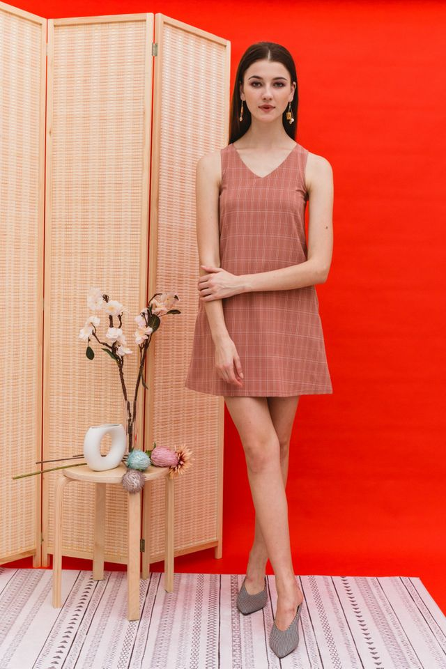 Dayaa Checkered Trapeze Dress in Salmon
