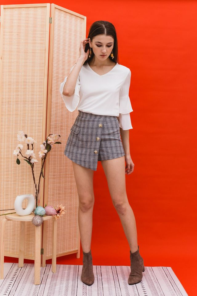Rilla Plaid Overlay Skorts in Black (XS)