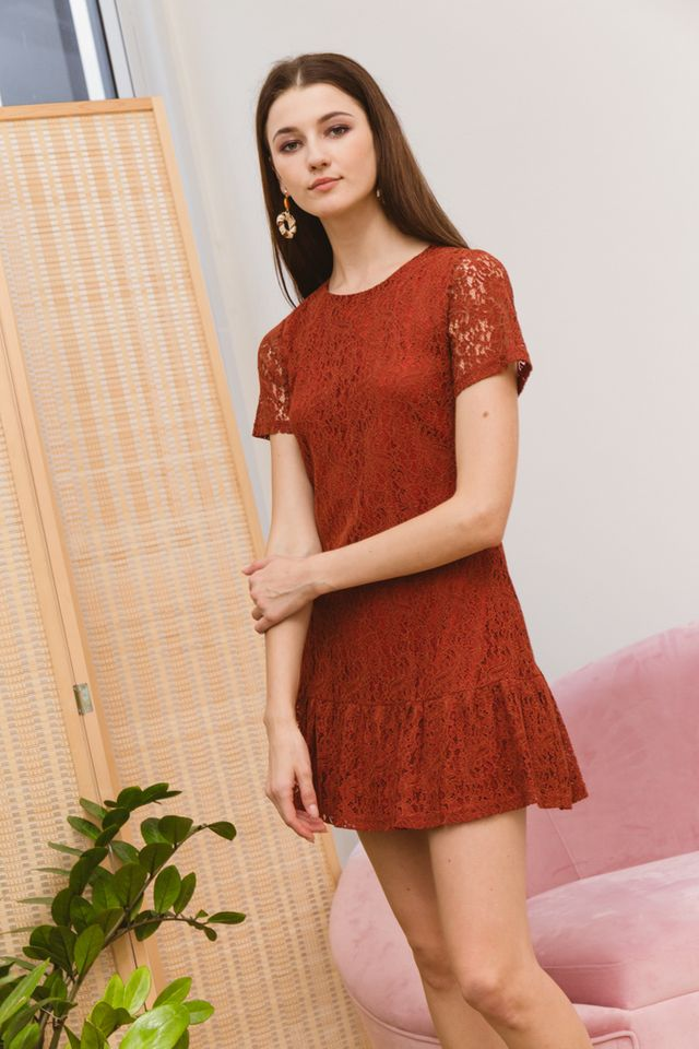 Iselin Lace Dropwaist Dress in Rust (XS)