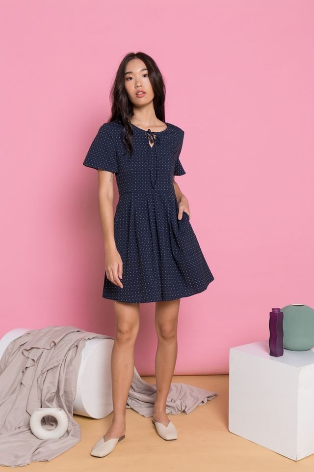 Mayella Polka Dot Pleated Dress in Navy Blue (XS)