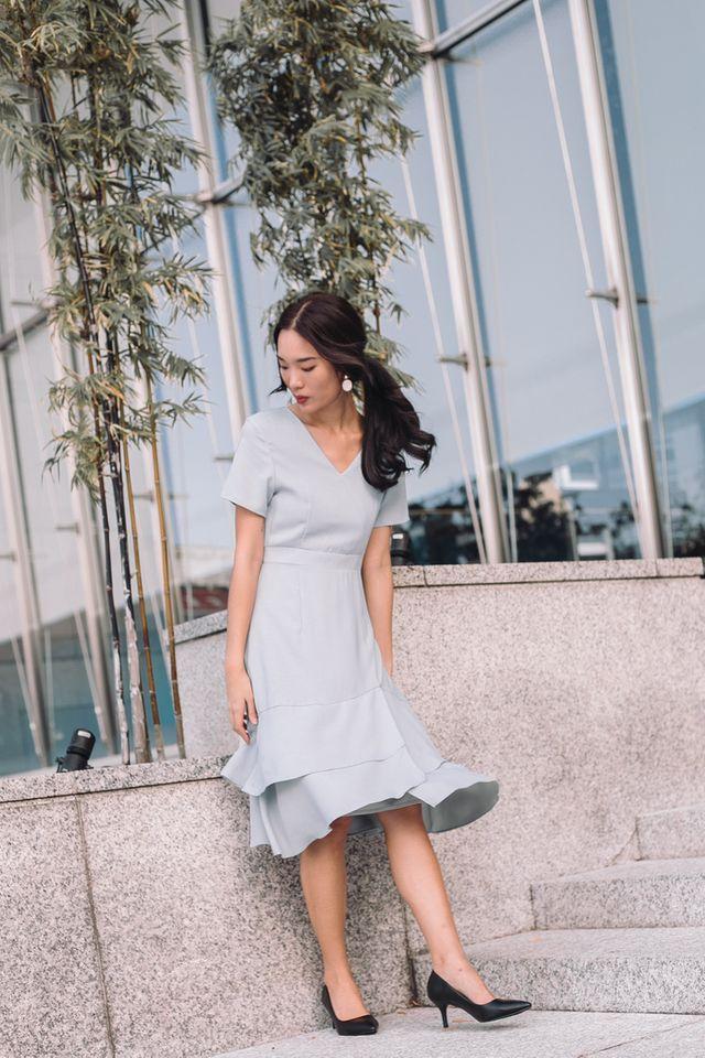 Reine Asymmetrical Ruffles Dress in Dusty Blue