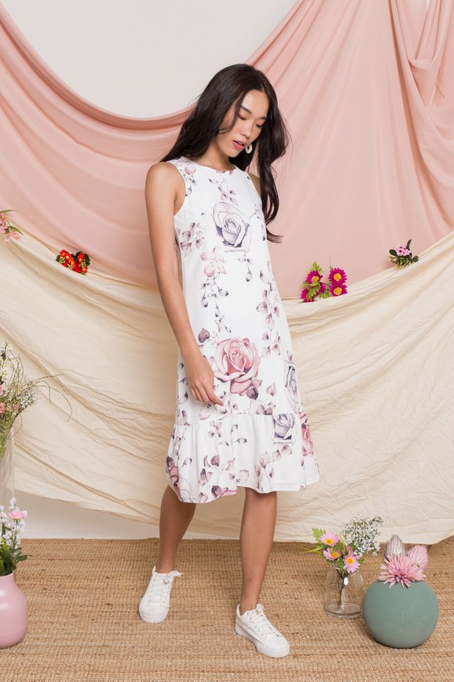 Cyra Floral Midi Dropwaist Dress in White (XS)