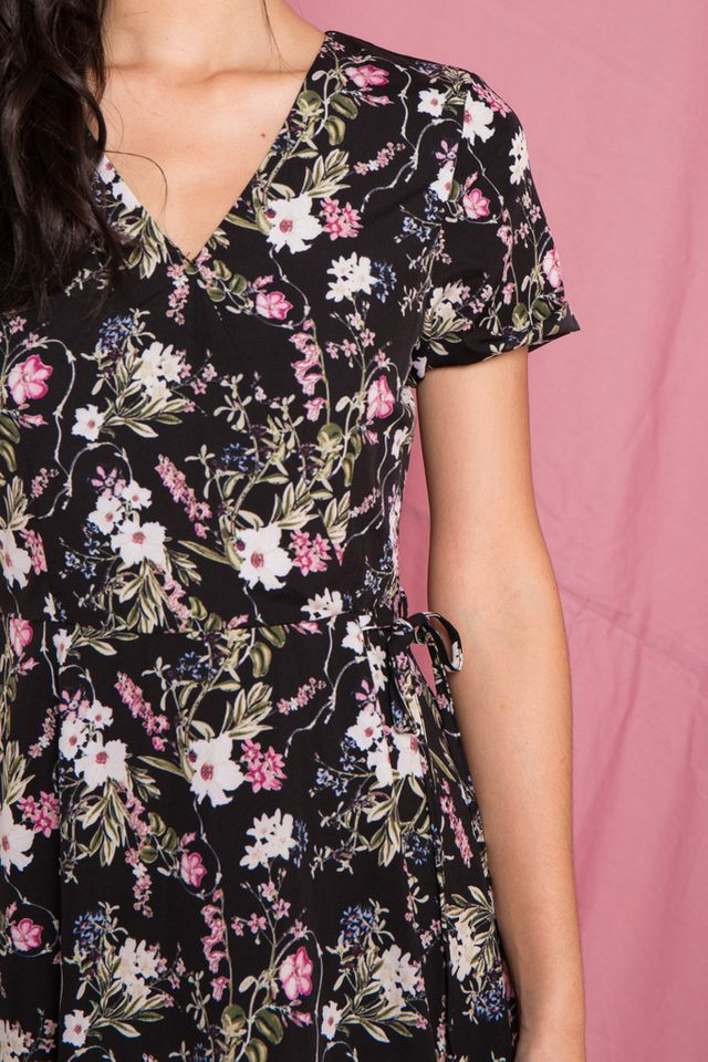 Zemira Floral Midi Dress in Black (XS)