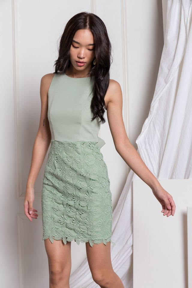 Verina Crochet Sheath Dress in Mint