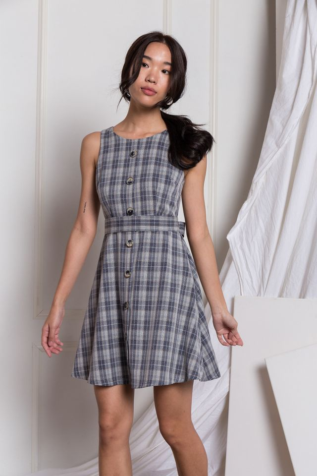 Vera Plaid Button Dress in Grey