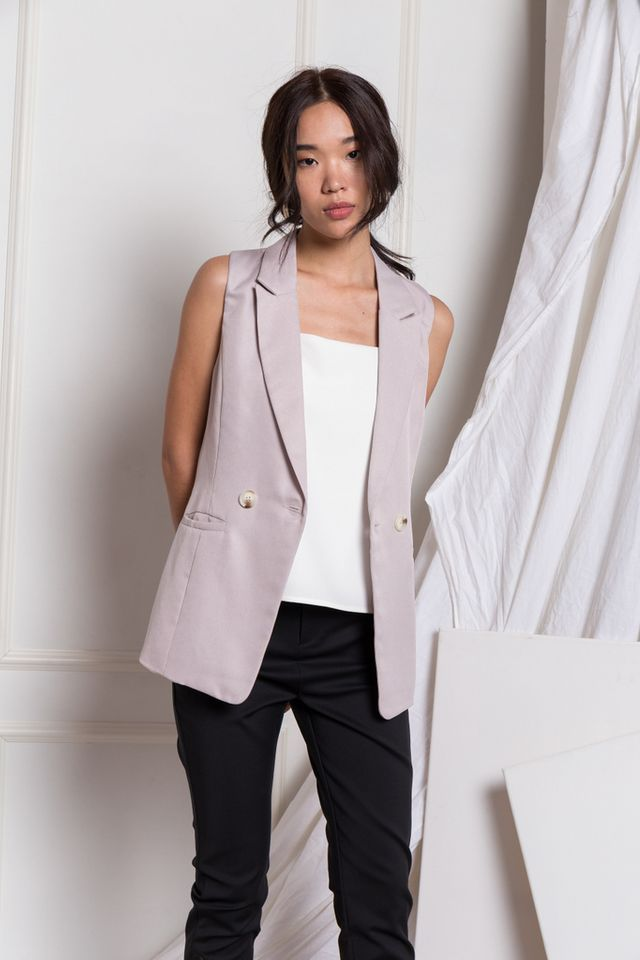 Whitley Textured Vest in Lilac Grey (XL)