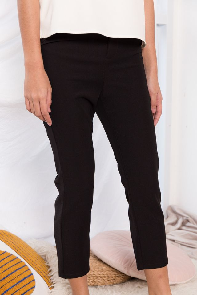 Tahira High Waisted Trousers in Black (L)
