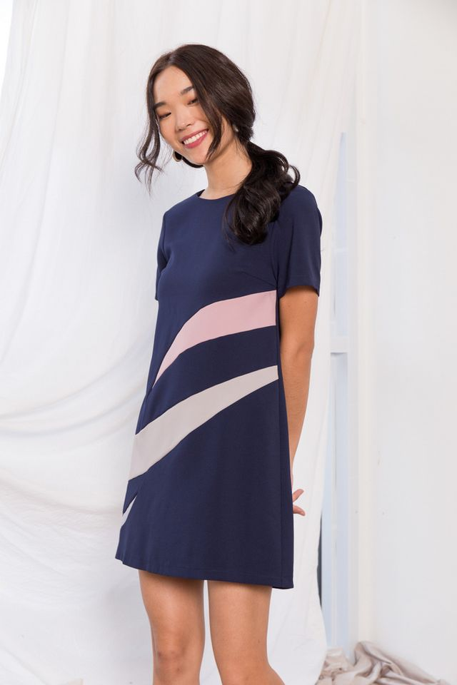 Aphra Abstract Shift Dress in Navy