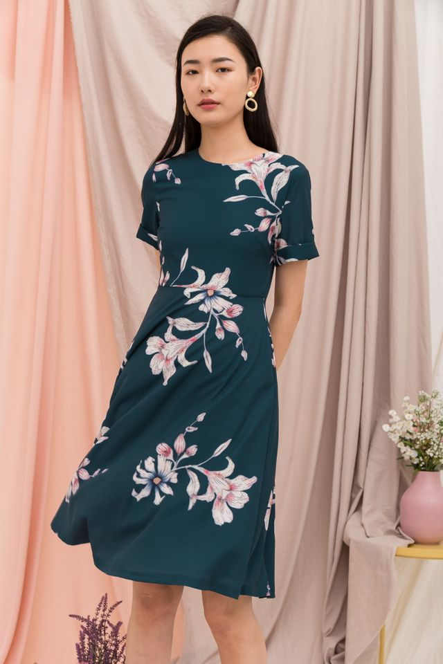 Nadine Floral Midi Dress in Teal (XS)