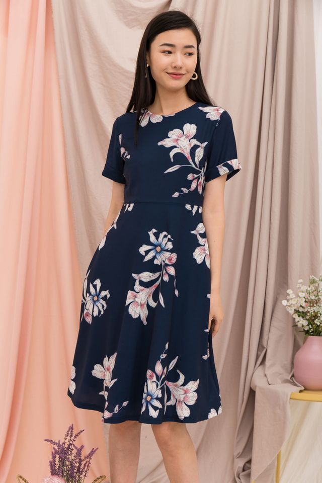 Nadine Floral Midi Dress in Navy (XS)