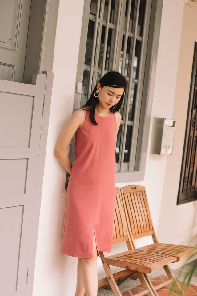 Evora Slit Midi Dress in Rouge