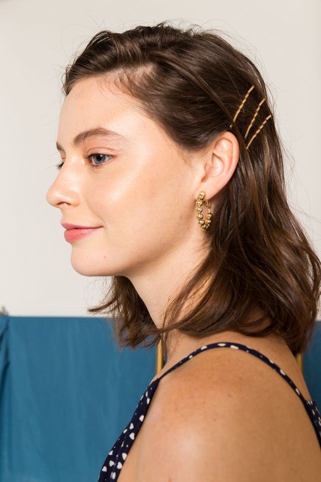 Gia Hoop Earrings in Gold